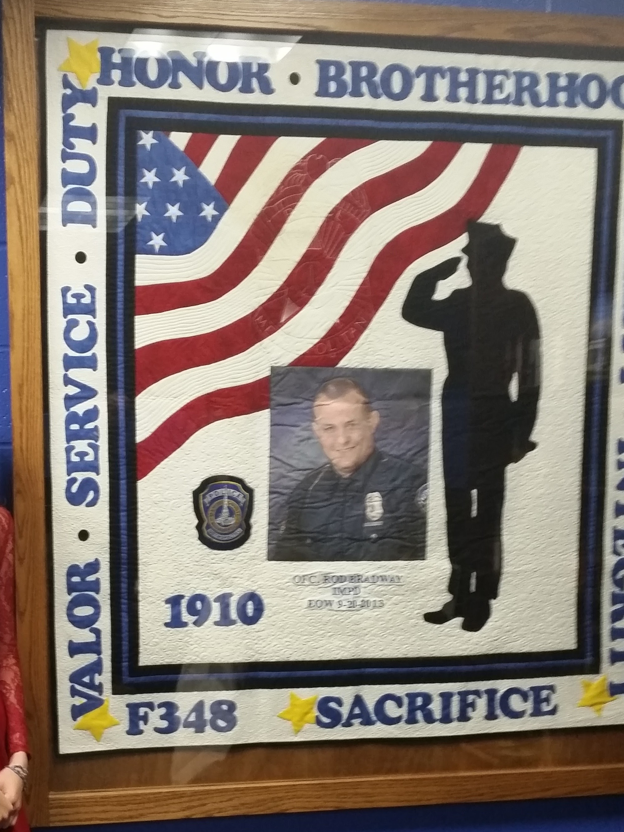 quilt-honoring-officer-rod-bradway